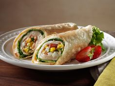 Elevate your gluten free menu anywhere by layering EverRoast® Chicken Breast, Muenster Cheese, lettuce, tomato and hardboiled egg for a delectably fresh wrap that's easy to grab and go.