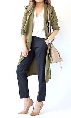 Trench coat outfit for business casual look in 1 MONTH OF WORK OUTFIT IDEAS | Professional Work Office Wear Lookbook | Miss Louie   Office outfits for women, work outfits for women, business professional