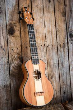 Custom ukulele handmade in Italy by Antica Ukuleleria Guitar Inlay, Ukulele Chords, Banjo, Woody, Musical Instruments, Acoustic, Porn, Italy, Handmade