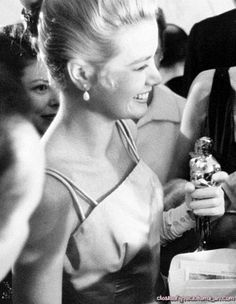 Grace and Her Oscar ~ March 30, 1955. That smile ♥