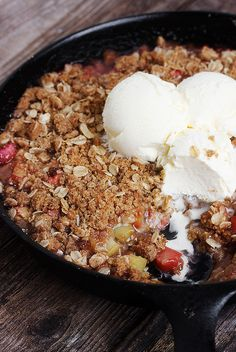 Skillet Rhubarb Crunch | 24 Sinful Oatmeal Desserts You'll Want To Eat For Breakfast