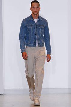 Tendências Só Para Eles: para quem não teve oportunidade de ver o desfile com a nstylemag.com, aqui fica um dos looks da Calvin Klein Collection.
