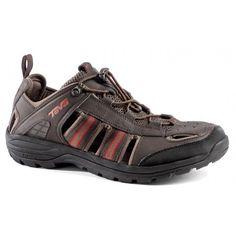 De #Kimtah #sandalen van @Teva zijn stabiele en stevige #herensandalen die sterk lijken op een schoen. Ze bieden het comfort van schoenen en sandalen in een. #dws