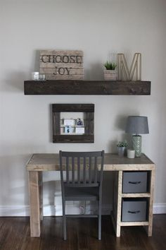 home office desk is an easy build! Erin at shares the free DIY plans on This home office desk is an easy build! Erin at shares the free DIY plans on Mesa Home Office, Home Office Desks, Home Office Furniture, Office Decor, Home Furniture, Furniture Ideas, Office Ideas, Antique Furniture, Furniture Design