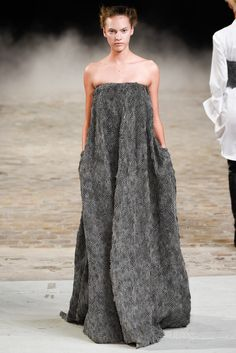 A.F. Vandevorst Spring 2015 Ready-to-Wear - Collection - Style.com #PFW