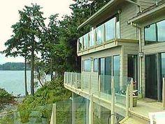 Glass deck railing