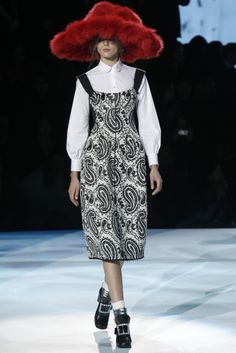 @Marc Jacobs- wtf was up with all the crazy hats on the runway- were you so embarrassed by the collection you needed a distraction?