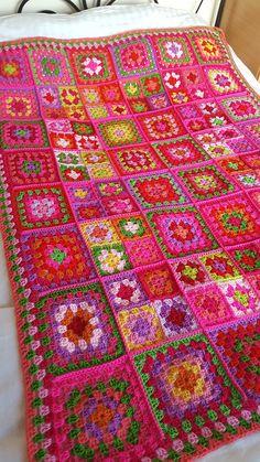 Vibrant Dolly 2 Sublime Large Crochet Granny Squares Blanket
