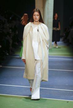 Céline Fall 2016 Ready-to-Wear Fashion Show - Tessa Bruinsma