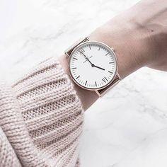 Bei unseren Freunden von KAPTEN & SON gibt es neben dieser klassischen Variante, nun auch ein neues Vintage-Leder-Armband! Hier entdecken und shoppen: https://sturbock.me/4SY