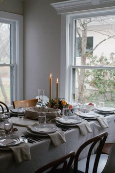 A Daily Something | Holiday Table Inspiration + Tips
