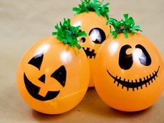 """Peanuts party or Halloween party idea: Have a """"Great Pumpkin Patch"""" of balloons filled with treats. Kids get to pop them when they win. Fröhliches Halloween, Halloween Balloons, Homemade Halloween, Halloween Birthday, Diy Halloween Decorations, Holidays Halloween, Balloon Decorations, Halloween Pumpkins, Spooky Decor"""