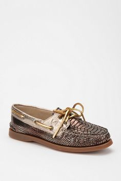 crocodile sperrys..yes <3 I really love these!!! GEEZ!