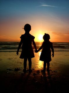 Kids... silhouette... water. I NEED this picture!  @Stacy Stone Shaeffer|Stacy Shaeffer Photography