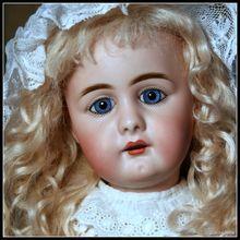 "19.5"" Simon Halbig 949 in Antique Whites"