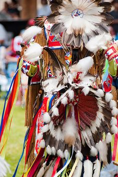 A Pow Wow celebration in Kamloops, BC, Canada Native American Warrior, Native American Regalia, Native American Artifacts, Native American Women, Indian Pow Wow, Native American Spirituality, War Bonnet, Sound Art, Beadwork Designs