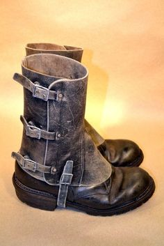 Distressed steam/dieselpunk spats/gaiters *0* Je veux !!!!!!!!!! (Désolée...n_n)