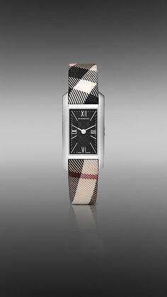 Burberry never gets old Burberry Handbags, Leather Handbags, Leather Wallet, Burberry Watch, Go For It, Cool Watches, Women's Watches, Season Colors, Square Watch