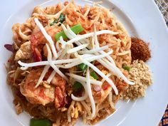 salakanan THAI Offenburg international food catering pad thai Thai Restaurant, International Recipes, Catering, Spaghetti, Ethnic Recipes, Home Made, Foods, Catering Business, Gastronomia