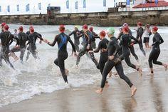 Ironman70.3 - women entering the water