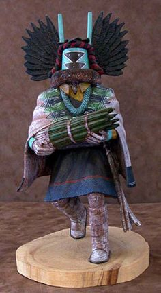 Crow Mother of the Hopi Indians. Native American Dolls, Native American Indians, Native Americans, Hopi Indians, Arte Tribal, Tribal Art, Art Chinois, Indian Dolls, Art Japonais
