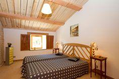 Gîte Petit Paradis, grande chambre à l'étage