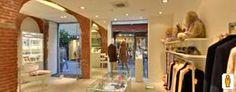 FB Aurum: Splendido negozio di abbigliamento di Aosta. Il piano interrato ricorda l'interno di un antico castello (Clicca sulla foto per aprire il tour virtuale)