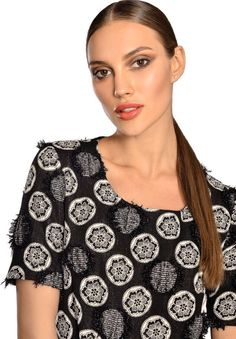 Black white print dress Guy Laroche, Fashion Outfits, Black And White, Guys, Blouse, Clothes, Dresses, Women, Outfits