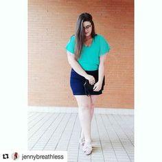 Skirt is awesome. #Repost @jennybreathless (@get_repost) Estrenando blusa hermosa de @mi.nn.tiendaonline.canaria Este color para el verano es lo más!!!! Feliz domingo!!! #Plussizeblogger #curvyblogger #plussizefashion #curvyfashion #plussizemodel #curvymodel #sexyoversize Curvy Model, Plus Size Fashion, Bermuda Shorts, Skirts, Women, Happy Sunday, Blouse, Sweetie Belle, Summer Time