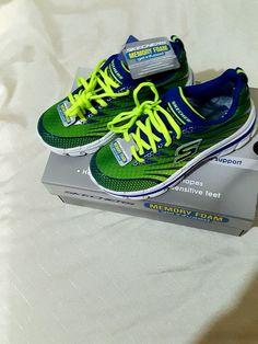 NEW IN BOX Boys Shechers Memory Foam Sneakers Never Worn #SKECHERS