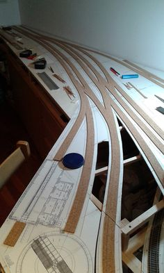 Ho Model Trains, Ho Trains, Rolling Stock, Model Train Layouts, Ho Scale, Scenery, Projects To Try, Construction, Architecture