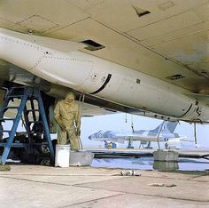 A view of the underside of an Avro Vulcan bomber of the Scampton Wing at RAF Scampton, Lincolnshire showing the fitted Blue Steel weapon. Navy Aircraft, Ww2 Aircraft, Military Jets, Military Aircraft, V Force, Avro Vulcan, Old Lorries, The Spitfires, Falklands War
