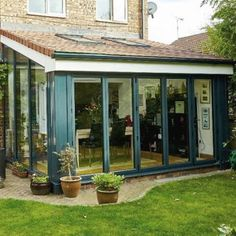 Lean-to conservatories are cost-effective, secure and stylish. Our efficient glazing and durable materials will improve your Kent home's carbon footprint. Conservatory Dining Room, Lean To Conservatory, Glass Conservatory, Conservatory Design, Conservatory Interiors, House Extension Design, Glass Extension, House Design, Garden Room Extensions
