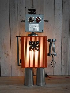 lampes-robot-objets-recycles-2