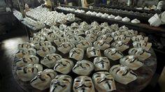 Fábrica de São Gonçalo produz máscaras para manifestações