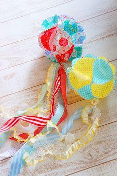 手作りで楽しむ七夕飾り♪ ***『おかずカップ&ベーキングカップでくすだま飾り』編*** : MaMan Marché ***mamaごとなおうちcaféのアトリエ時間*** Diy And Crafts, Paper Crafts, Tanabata, Diy Hanging, Crepe Paper, Diy Cards, Origami, Baby Kids, Character Design