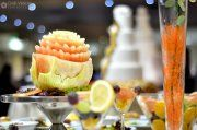 weding fruits Sushi, Watermelon, Wedding Ideas, Fruit, Ethnic Recipes, Food, Food Food, Essen, Meals