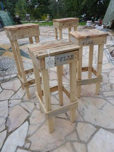 These Quick, Easy Pallet Stools are a fast and fun project that will be handy in any household. Build them with or without a seat back.