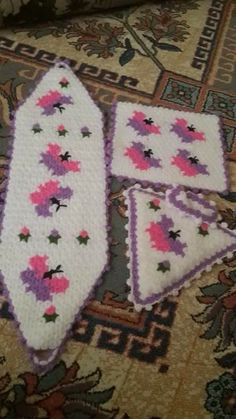 This Pin was discovered by HUZ Rugs And Mats, Bohemian Rug, Elsa, Diy And Crafts, Butterfly, Blanket, My Favorite Things, Crochet, Projects