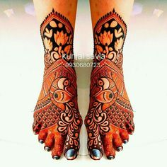 Simple Mehendi designs to kick start the ceremonial fun. If complex & elaborate henna patterns are a bit too much for you, then check out these simple Mehendi designs. Arabic Bridal Mehndi Designs, Wedding Henna Designs, Mehndi Design Pictures, Latest Mehndi Designs, Mehndi Designs For Hands, Leg Mehendi Design, Leg Mehndi, Foot Henna, Henna Mehndi