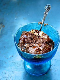nicecream med chokladrippel och karamellsmak (vegan)