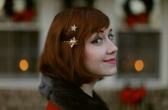 sparkly bobby pins - so pretty! The Clothes Horse: Home For The Holidays