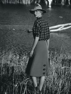 Elizabeth Debicki for Vogue Australia, December 2012 - 08 - 02.