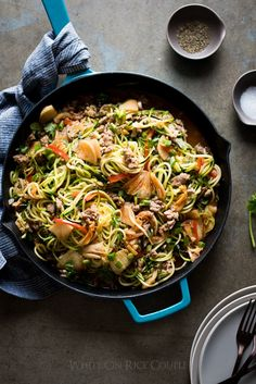 10 Healthy Zucchini Noodle Recipes Low Carb Asian Zucchini Noodle Stir Fry with Pork And Korean Kim Chi Zucchini Noodle Recipes, Healthy Zucchini, Zucchini Noodles, Healthy Foods To Eat, Healthy Dinner Recipes, Breakfast Recipes, Recipe Zucchini, Veggie Noodles, Pork Recipes