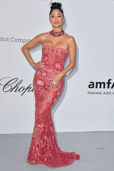 Getty Images 17 May Nicole Scherzinger accessorised her embellished gown with an extravagant chocker necklace. Black Lace Skirt, Embellished Gown, Vogue, Nicole Scherzinger, Barbacoa, Red Carpet Looks, Cannes Film Festival, Modern Fashion, Festival Fashion