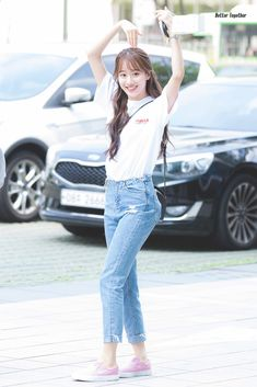 180508 본격연예 한밤 퇴근  #APRIL #NAEUN Kpop Fashion, Korean Fashion, Girl Fashion, Kpop Girl Groups, Kpop Girls, Apink Naeun, Girl Outfits, Casual Outfits, Beautiful Asian Women