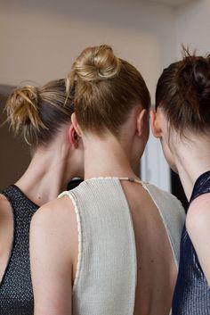 Duttfrisuren bei Kalvin Klein (Foto: @Indigitalimages.com)