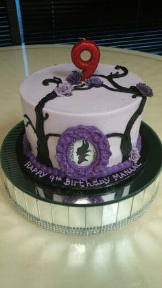 A cute little Maleficent's cake. #birthdaycake #purple #cutthecake #birthday