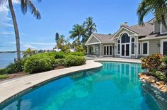 This waterfront villa built in 1990, has total 32,836 Sq Ft., 5 bedrooms and 5,5 bathrooms. Situated right on the Bay with breathtaking views, great lot offers privacy and garden areas, expansive pool, spa. Faux finishing, soaring ceilings, kitchen offers cabinets from England La Cornue gas range, granite counters, top of the line appliances. More photos you will see here: http://www.arzumanidis.co.uk/usa/flo/1600_5/index.htm