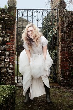 World Country Magazine: Lily James - David Slijper Fotoshooting für Stadt & Land, Lily James, Pretty People, Beautiful People, Ideas Para Photoshoot, Town And Country Magazine, Pride And Prejudice And Zombies, Whatever Forever, Wonderland, Garance